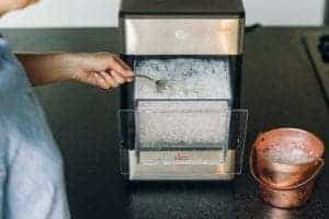 Ice maker Geeks and the opal nugget ice maker