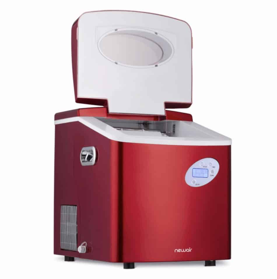 NewAir Portable Ice Maker With a open cover