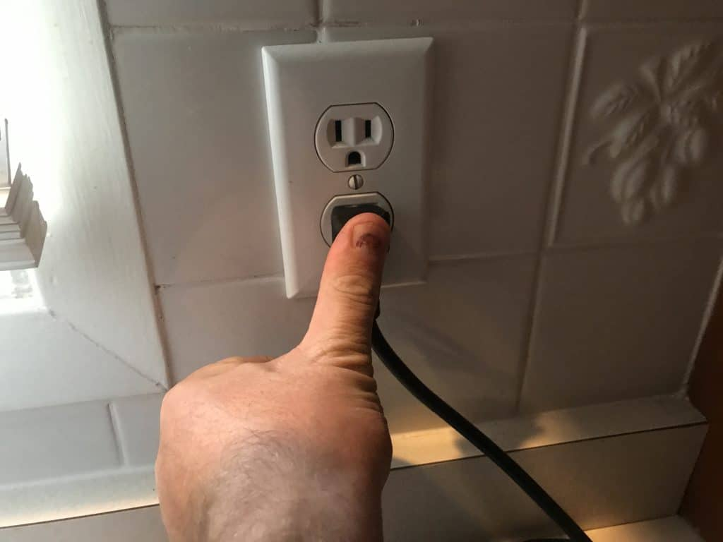 Plug your ice maker back in