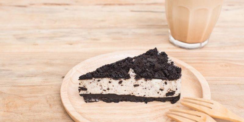 Totally Black and White Dessert
